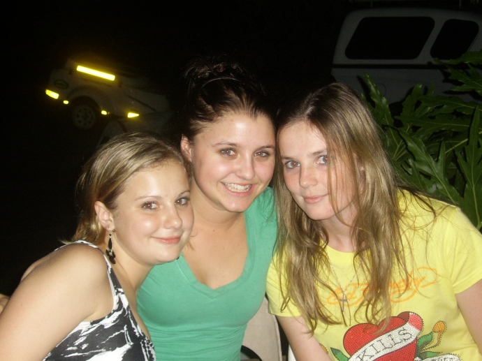 Lauren, Rachel & I before leaving to Pretoria